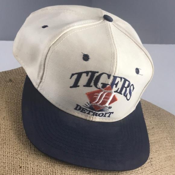 f7df11267d5 Vintage signatures Detroit Tigers SnapBack hat. M 5ac0000fb7f72b44414cc981